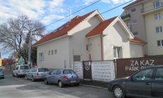 PREDAJ, komerčná budova v centre Dunajskej Stredy