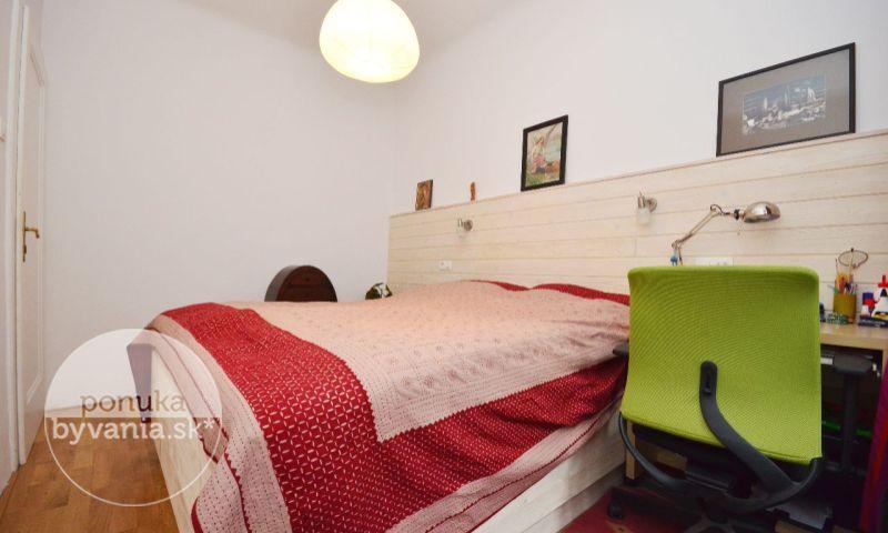 ponukabyvania.sk_Ulica 29. augusta_4-izbový-byt_archív