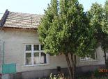 VEĽKÝ GROB okr. GALANTA - NA PREDAJ starý rodinný dom na peknom veľkom pozemku