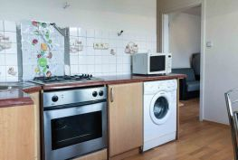2-izbový byt na predaj, Beluša – ulica Ľ.Štúra, 50 m2 + balkón + pivnica 2 m2