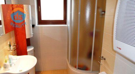 Na predaj 2 izbový tehlový byt, 47 m2, Dubnica n/V,ul.Pionierska