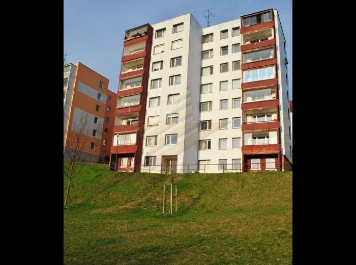 PREDANÉ - BARTÓKOVA, 3-i byt, 83,9 m2 - s loggiou, komorou a pivnicou, VYNIKAJÚCA LOKALITA OKOLIA HORSKÉHO PARKU, KRÁSNY VÝHĽAD