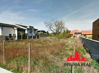 INSURIA REAL Vám  ponúka na predaj pozemok - pre rodinné domy Bratislava-Vrakuňa,  Čakanková