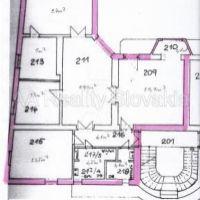 5 a viac izbový byt, Košice-Staré Mesto, 150 m², Kompletná rekonštrukcia