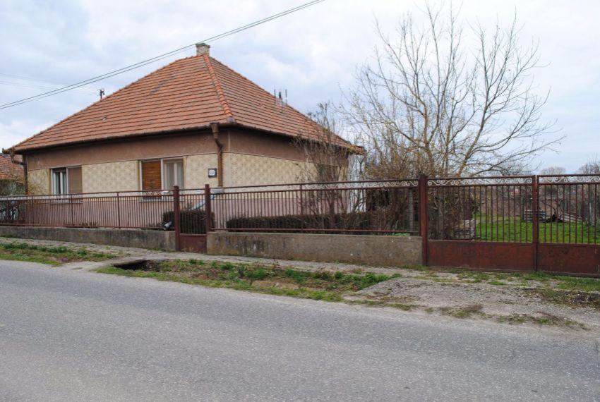 Predaj Rodinné domy Farná-2