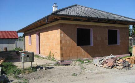 Útulný 3-izbový bungalov na predaj v obci Kyselica, pri Šamoríne