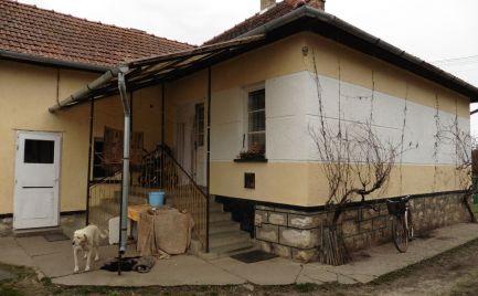 GEMINIBROKER Vám ponúka na predaj rodinný dom v obci Komjáti