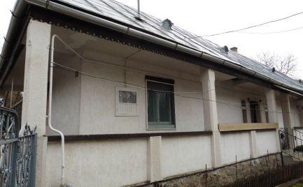 GEMINIBROKER Vám ponúka na predaj čiastočne zariadený rodinný dom v obci Telkibánya