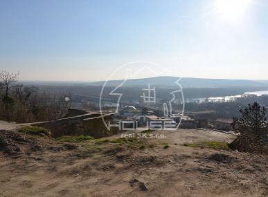 PREDAJ: luxusný pozemok v Kráľovskom údolí bezprostredne pod Bôrikom, Bratislava I, Staré mesto
