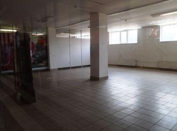 Obchodné priestory na prenájom v obchodnom centre  vo Svite