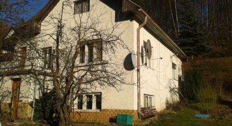 Rodinný dom v obci Dúbravy - Iviny
