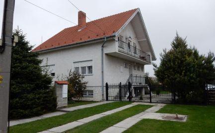 Podkrovný rodinný dom na predaj v obci Baloň