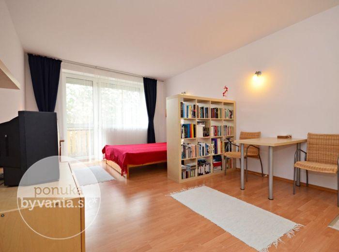 PREDANÉ - SENEC, 1-i byt, 41 m2 - príjemný byt s priestranným balkónom, NOVOSTAVBA, zateplenie, PODLAHOVÉ kúrenie, na skok od CENTRA
