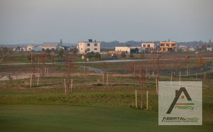 Predaj atraktívneho pozemku pri Senci v komplexe  Green Residence