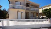 Apartmánový dom na ostrove Vir