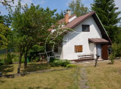 PREDAJ: chata s priestranným pozemkom v Devínskom jazere, 10 min od BA