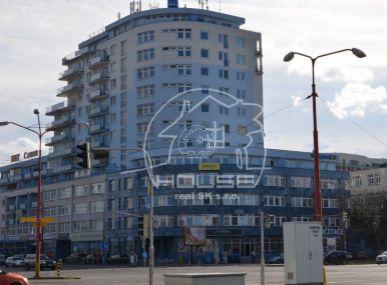 PREDAJ: útulný, 2 izb. tehlový byt s výbornou dispozíciou a parkovacím státím BA II-Ružinov, Tomášikova ul.
