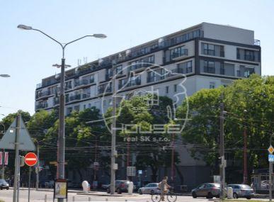 PREDAJ: Exkluzívny 4 izbový mezonet s výmerou 154,8 m2 s terasou a balkónom, Trnavská ul., BA - Ružinov