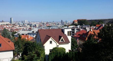 Najvýhodnejšie! Skvelé bývanie v dome s panoramatickým výhľadom na mesto pri Bratislavskom hrade