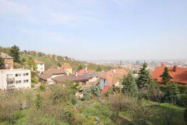 PREDAJ, Stavebný pozemok 1100 m2 s rodinným domom, Hlavná ulica, Koliba, BA - Nové mesto
