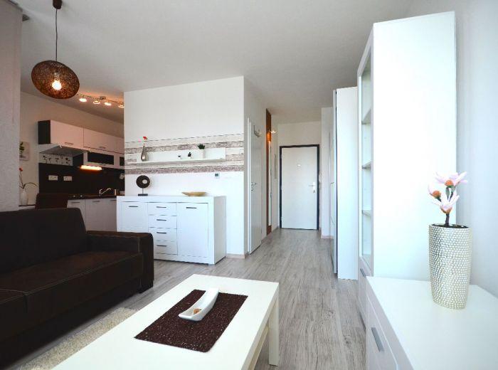 PRENAJATÉ - ČIERNA VODA, 1,5-i byt, 35 m2 – slnečný a moderný byt V NOVOSTAVBE, s vlastným parkovaním, elegantne a KOMFORTNE ZARIADENÝ