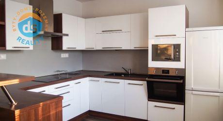 Exkluzívne luxusný zariadený byt 2+kk po kompletnej rekonštrukcii, 55m2, Obrancov Mieru, Dubnica nad Váhom