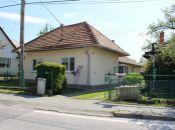 REALITY COMFORT - Pekný rodinný dom v Lehote pod Vtáčnikom -VÝBORNÁ POLOHA!