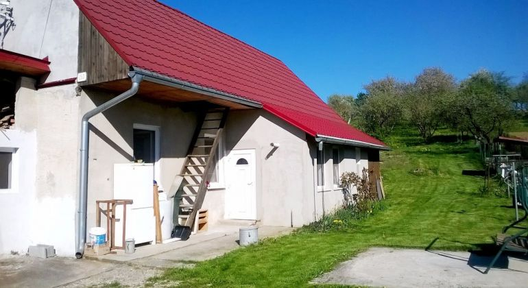 Kostolné / na predaj rodinný dom kompletná rekonštrukcia / garáž