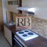 Ponúkame na predaj zrekonštruovaný 1,5 izbový byt na Holíčskej ulici v Petržalke, skvelá cena!