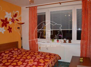 PRENÁJOM: 1 izbový byt Bratislava V, Petržalka, Znievska ulica