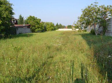 PREDAJ: priestranný pozemok v Stupave