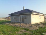 REALFINANC - EXKLUZÍVNE IBA U NÁS! 4 izbový Rodinný Dom, BUNGALOV, Novostavba, zastavaná plocha 118,75 m2, pozemok 510 m2, Hrubá Borša !!!