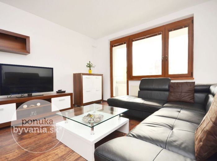 PREDANÉ - ZNIEVSKA, 3-i byt, 87 m2 - DVE LOGGIE, po rekonštrukcii, nádherný VÝHĽAD NA DRAŽDIAK