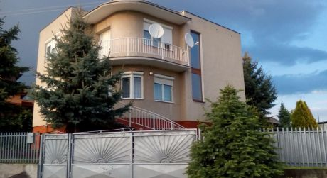 Predaj dvojgeneračného rodinného domu s veľkým pozemkom za zníženú cenu !!!