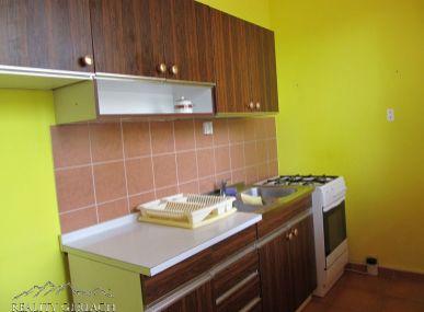 Predáme veľký 2  izbový byt blízko v Poprade