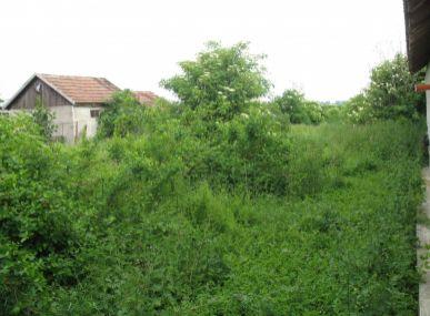 Maxfin Real - Ponúkame na predaj stavebný pozemok priamo v obci Veľký Kýr