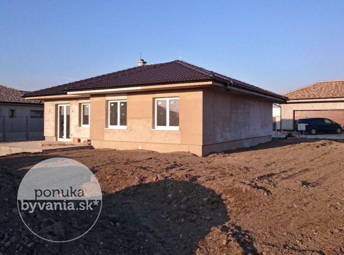 PREDANÉ - MOST PRI BRATISLAVE, 4-i dom, 103 m2 – NOVOSTAVBA bungalovu, pozemok 603 m2, na skok od Bratislavy