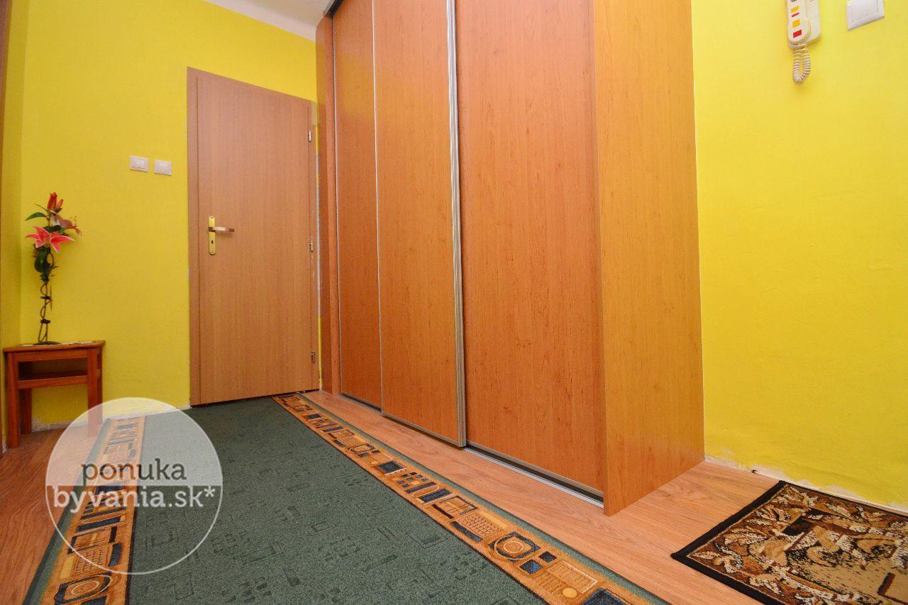 ponukabyvania.sk_Vajnorská_1-izbový-byt_archív