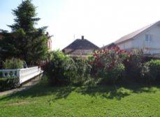 NA PREDAJ - starší, udžiavaný 3 izbový rodinný dom v obci KAPLNA, okr. Senec