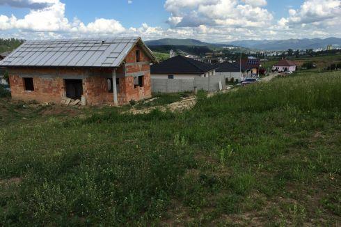 EXKLUZÍVNE - stavebný pozemok L.Lúčka