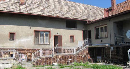 Predaj, starší rodinný dom na spoločnom dvore v obci Lieskovec
