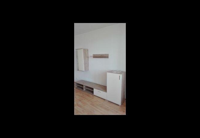 Predaj 1-izbového zariadeného bytu, kompl. rekonštrukcia - Žiar nad Hronom, Sládkovičova (079-111-JAK)