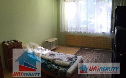 PREDANÉ - BÁNOVCE NAD BEBRAVOU – 3 - izbový byt na predaj, 80 m2 / Centrum / super cena