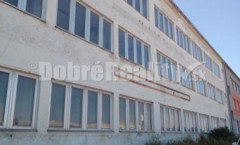 Budova 3podlažná na rôzne účely, Nové Mesto n.V.