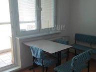 REALFINANC - Väčší 1 izbový byt o výmere 35 m2 s loggiou, na ideálnom 7 poschodí zo 7 poschodového domu s výťahom !!!