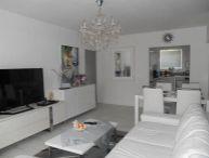 REALFINANC - 100% aktuálny - Ponúkame na predaj 4 izbový byt ( bauring s komorou), loggiou, 90 m2 ( 85m2 byt + 5 m2 loggia) po kompletnej rekonštrukcii na ulici Zelenečská, Trnava !!!