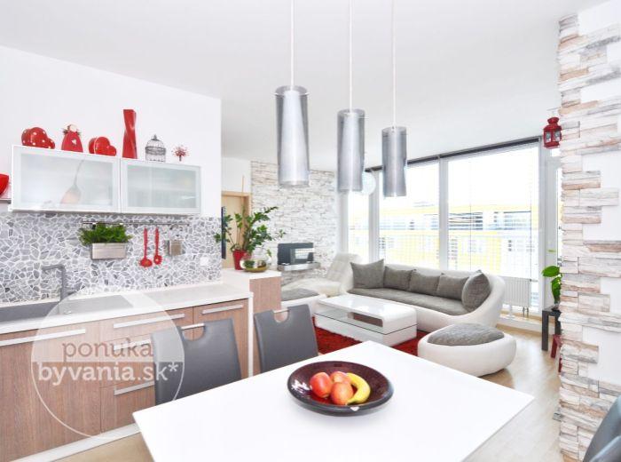 PREDANÉ - OPLETALOVA, 3-i byt, 108 m2 - novostavba DEVÍNSKY DVOR, tehla, VEĽKÁ SLNEČNÁ TERASA, nízke náklady, PARKOVACIE MIESTO V CENE