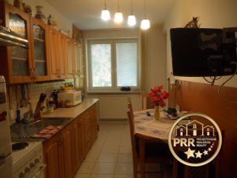 Krásny 3-izb.byt 80m2+garáž+2 pivnice na predaj v Rybanoch.