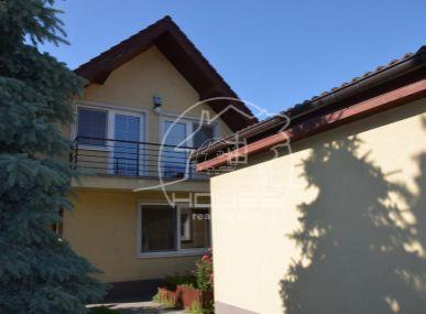 PREDAJ: 4 izb. rodinný dom s dvoj garážou v Záhorskej Bystrici, Bratislava IV