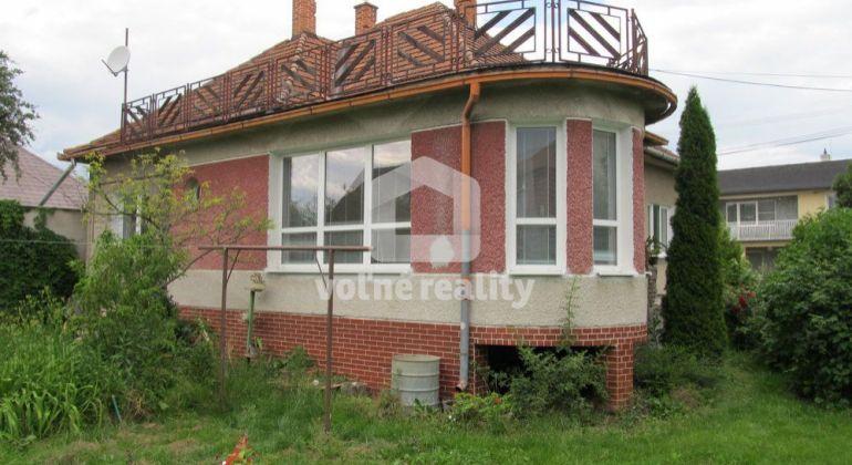 *** PREDANÉ *** rodinný dom s pozemkom 980m2, Družstevná ulica, Trenčín